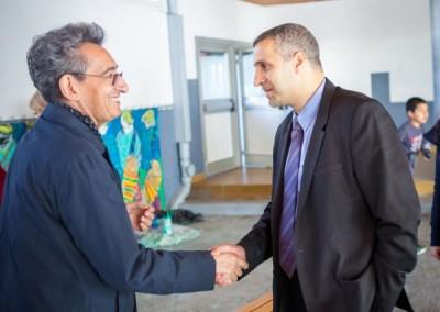 Embajador de Uruguay Omar Mesa con el encargado de asuntos educativos