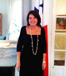 S. E. Pilar de Aleman Embajadora de Panamá en Francia