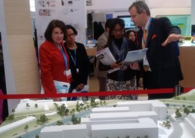 Visita de la Galeria de las Innovaciones en la COP21-Paris 2015.