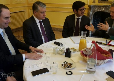 Reunión con ejecutivos de Banco Société Générale, Paris, 17 de febrero 2016.