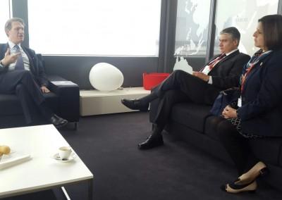 Reunión con ejecutivo de TOTAL, Paris – La defensa, 17 de febrero 2016.