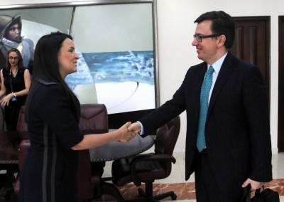 Viceministra de Asuntos Multilaterales y Cooperación de la Cancillería, María Luisa Navarro.