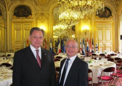 Embajador Henry Faarup y el Dr. Christian Moreau