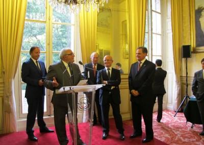 Entrega de la medalla del Senado al Dr. Christian Moreau, especialista del periodo francés Canal de Panama