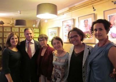 Liz de Faarup, Embajador Henry Faarup, Gloria Montenegro, Christina Chirouze, Mariana Pereira y Eloisa Dutari