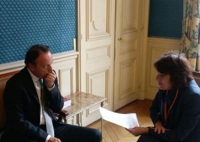 Jean-Pierre Bel, Asesor Especial de la Presidencia para América Latina y el Caribe, y S.E. la Embajadora de Panamá en Francia Pilar de Alemán. París, 30 de marzo 2016