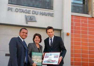 Visita de la Embajadora Pilar de Alemán a la estación de prácticos de Le Havre junto al presidente Gilles Lanfranchi y el piloto panameño Pavel Pereira