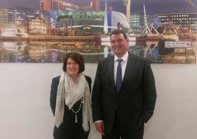 Embajadora Pilar de Alemán con el presidente del Gran Puerto de Le Havre, Herve Martel