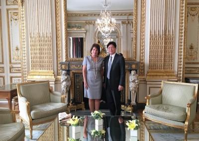 Su Excelencia Pilar de Alemán junto a Su Excelencia Zhang Ming-Zhong.