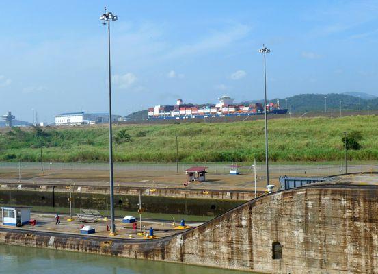 Ecluses Miraflores Canal de Panama (Photos : E. Scotto).