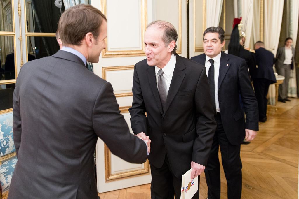 Cartas Credenciales de S.E. José Alberto Fábrega Roux, Embajador de Panamá en Francia ante el Presidente Emmanuel Macrón -