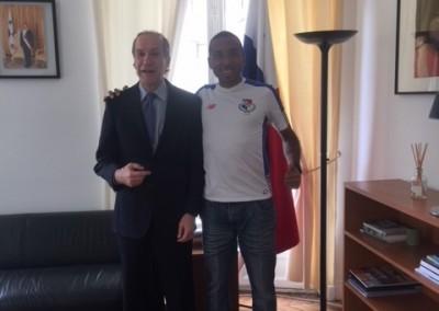 Ricardo CARABALI visita la Embajada de Panama en Francia