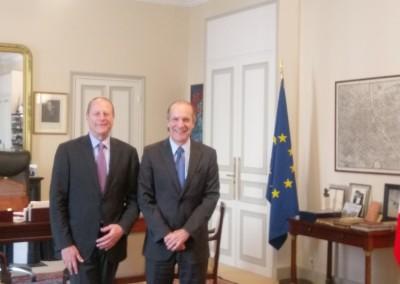 Reunión del Embajador José Fabrega con el Alcalde del distrito 15 de París