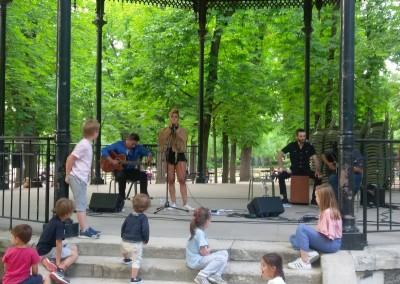 Concierto de Cristel Henriquez y Carlos Mendez  en el Kiosco de Música del Jardín del Luxemburgo, el 2 de junio