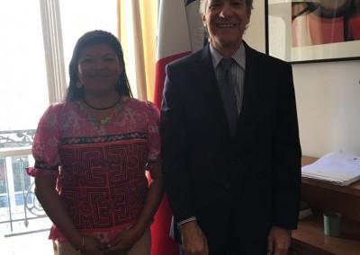 Visita a la Embajada de la instructora panameña, Yadixa del Valle