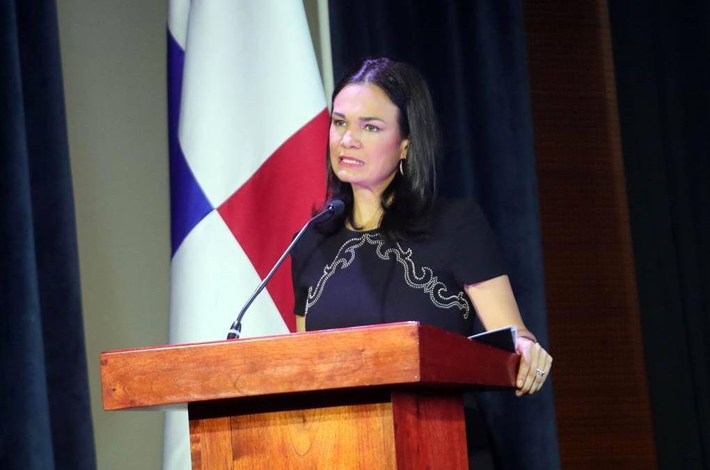 """Lanzamiento de """"La Diplomacia Científica, Tecnológica y de Innovación como Instrumento de la Diplomacia del Siglo XXI»"""