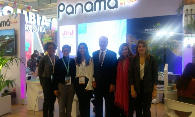 Visite du stand de Panama au salon international du tourisme Top Resa, Paris.