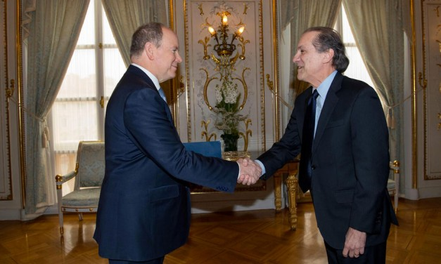 Présentation des lettres de créance de l'Ambassadeur José Fábrega Roux devant Son Altesse Sérénissime le Prince Albert II de Monaco
