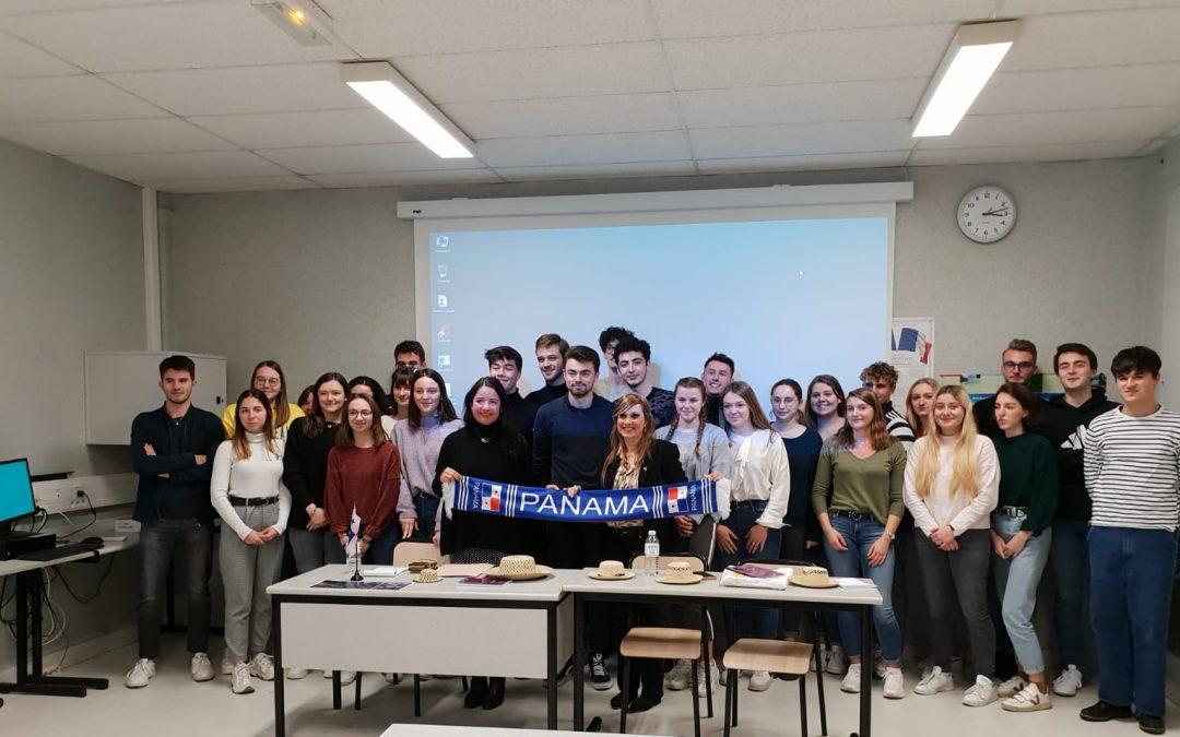 """Dayra Carrizo participó en el Foro: """"Panamá – cultura, turismo, comercio e inversión"""", dirigido a estudiantes franceses de Limoges"""