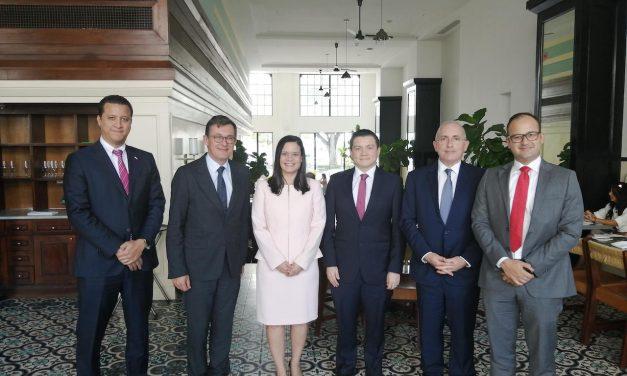 Délégation des entrepreneurs français MEDEF lors de sa visite au Panama.