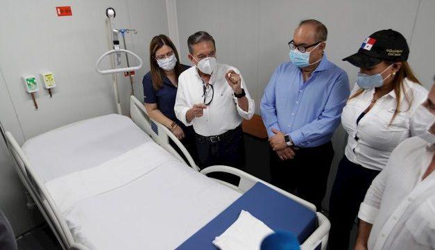 Panamá construye en menos de un mes hospital modular para casos de COVID-19