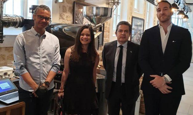 """Visite de son S.E. Issamary Sanchez à l'atelier """"Le Café Alain Ducasse"""""""