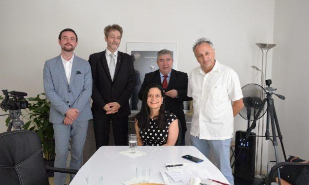 S.E. Issamary Sánchez a été invité à une interview sur Radio París Plurielle
