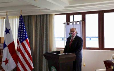 Consejero de EE. UU. Brechbuhl, insiste en la lucha contra el blanqueo