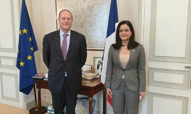 SE Issamary Sánchez sostuvo reunión con Phillipe Goujon, Alcalde del distrito 15 de París.