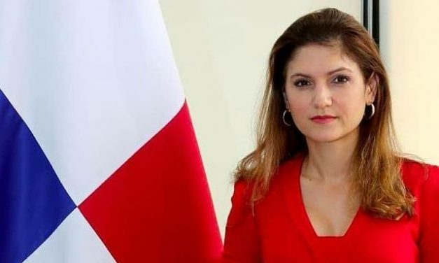 El Presidente Laurentino Cortizo Cohen ha designado a SE Erika Mouynés como Canciller y a SE Dayra Carrizo como Vice Canciller.