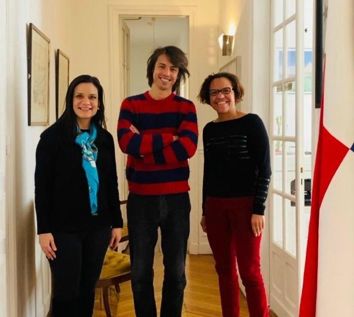 Hoy recibimos la visita del músico francés Mathieu Longchamps quien nos habló de sus proyectos en Panamá.