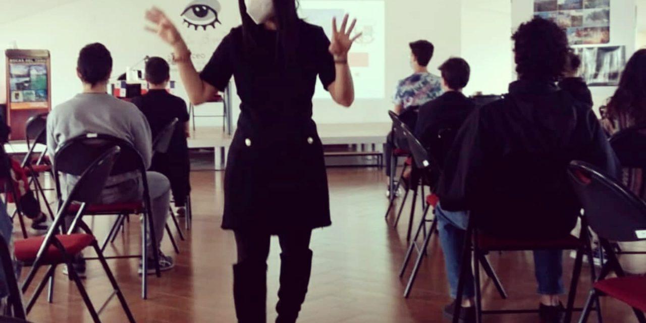 La Embajadora Issamary Sánchez fue invitada al Liceo Luis Buñuel en París, donde expuso sobre Panamá.