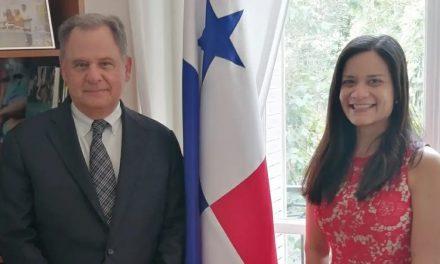 Visita de SE Henry Faarup, Embajador de Panamá en Francia 2010-2014, donde conversamos aspectos importantes de las relaciones entre ambos países.