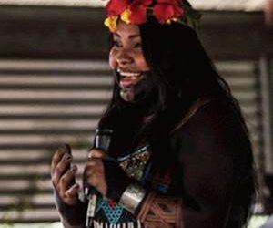 Reunión virtual con Sara Omi, Líder Emberá, donde nos comentó sobre sus iniciativas enfocadas en temas ambientales y de defensa de los grupos indígenas.