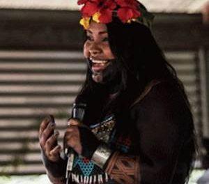 Rencontre virtuelle avec Sara Omi, leader Embera, où elle nous a parlé de ses initiatives axées sur les questions environnementales et la défense des groupes autochtones.