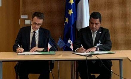 Firma de Acuerdo de Cooperación Técnica en materia de aviación entre Panamá y Francia.